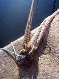 δεσμός σχοινιών βαρκών Στοκ Φωτογραφίες