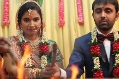 Δεσμός Speritual - γάμος Ινδία Στοκ φωτογραφία με δικαίωμα ελεύθερης χρήσης