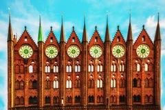 Δημαρχείο στην ημέρα Stralsund sunner στοκ φωτογραφία με δικαίωμα ελεύθερης χρήσης