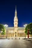 Δημαρχείο του Αμβούργο τη νύχτα Στοκ Εικόνα