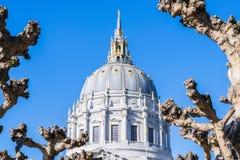 Δημαρχείο του Σαν Φρανσίσκο Το Σαν Φρανσίσκο είναι το πολιτιστικό, και οικονομικό κέντρο βόρειας Καλιφόρνιας στοκ φωτογραφία με δικαίωμα ελεύθερης χρήσης