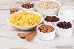 Δημητριακά και δημητριακά προγευμάτων Στοκ φωτογραφία με δικαίωμα ελεύθερης χρήσης