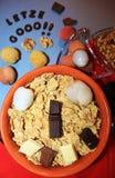 Δημητριακά με τη σοκολάτα και τα φρούτα Στοκ Εικόνα