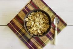 Δημητριακά σε ένα κύπελλο Υγιής κατανάλωση Τρόφιμα Vegetarinskaja στοκ εικόνες