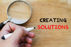 Δημιουργία της έννοιας κειμένων λύσεων Στοκ φωτογραφία με δικαίωμα ελεύθερης χρήσης