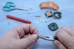 Δημιουργία του κοσμήματος κοστουμιών Στοκ φωτογραφία με δικαίωμα ελεύθερης χρήσης
