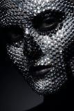 Δημιουργική γυναίκα στα rhinestones με το πρόσωπο κρανίων Στοκ Εικόνες