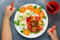 Δημιουργική ιδέα για το γεύμα ή το μεσημεριανό γεύμα μωρών Αστεία WI κεφτών αραχνών Στοκ φωτογραφίες με δικαίωμα ελεύθερης χρήσης