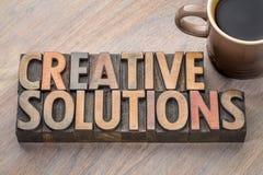 Δημιουργική περίληψη λέξης λύσεων στον ξύλινο τύπο Στοκ φωτογραφίες με δικαίωμα ελεύθερης χρήσης
