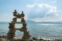 Δημιουργική σύνδεση πετρών της Zen & υπομονή και προσπάθεια στοκ εικόνες
