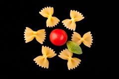 Δημιουργικό λουλούδι ζυμαρικών Στοκ φωτογραφία με δικαίωμα ελεύθερης χρήσης