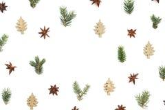 Δημιουργικό πλαίσιο Χριστουγέννων στο άσπρο υπόβαθρο στοκ εικόνες με δικαίωμα ελεύθερης χρήσης