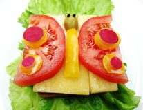 Δημιουργικό φυτικό σάντουιτς με το τυρί και το λουκάνικο Στοκ Εικόνα