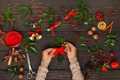 Δημιουργικό diy χόμπι διακόσμηση Χριστουγέννω&nu Στοκ φωτογραφίες με δικαίωμα ελεύθερης χρήσης