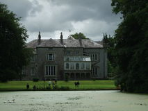 Δημοκρατία της Ιρλανδίας, ιστορικό κτήριο, άποψη της Νίκαιας, σπίτι ονείρου, λίμνη Στοκ φωτογραφία με δικαίωμα ελεύθερης χρήσης