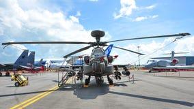 Δημοκρατία της πολεμικής αεροπορίας της Σιγκαπούρης (RSAF) Apache ah-64 επιθετικό ελικόπτερο στην επίδειξη στη Σιγκαπούρη Airshow  Στοκ Φωτογραφία