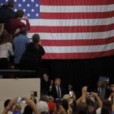 Δημοκρατική προεδρική συνάθροιση εκστρατείας του Ντόναλντ Τραμπ υποψηφίων στο χώρο & τη χαρτοπαικτική λέσχη νότιου σημείου στο Λα Στοκ Φωτογραφία