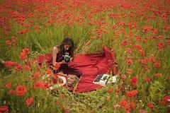 Δημοσιογραφία και γράψιμο, καλοκαίρι Παπαρούνα, ενθύμηση ή ημέρα Anzac Στοκ Φωτογραφία
