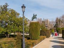 Δημοφιλές πάρκο στην πλατεία Plaza Oriente στη Μαδρίτη Στοκ εικόνα με δικαίωμα ελεύθερης χρήσης