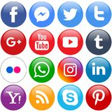 Δημοφιλή κοινωνικά εικονίδια μέσων καθορισμένα γύρω από διανυσματική απεικόνιση