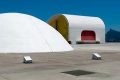 Δημοφιλές θέατρο του Oscar Niemeyer του Niteroi Στοκ φωτογραφία με δικαίωμα ελεύθερης χρήσης