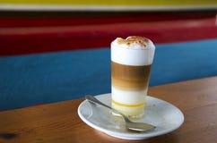 Δημοφιλής κανάριος καφές Barraquito †« Στοκ Εικόνες