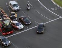Δημόσιες συγκοινωνίες και μερικά αυτοκίνητα κατά τη διάρκεια ρυθμισμένου κυκλοφορία ημερησίως στη Βαρκελώνη στοκ φωτογραφία με δικαίωμα ελεύθερης χρήσης