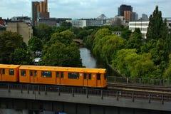 Δημόσιες συγκοινωνίες στο Βερολίνο Στοκ Φωτογραφία