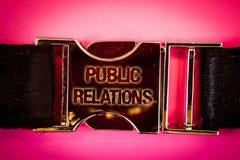 Δημόσιες σχέσεις κειμένων γραφής Έννοια που σημαίνει τις κοινωνικές λέξεις δημοσιότητας πληροφοριών ανθρώπων MEDIA επικοινωνίας γ Στοκ εικόνες με δικαίωμα ελεύθερης χρήσης