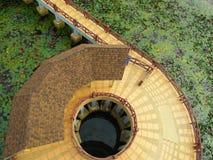 Διάβαση πεζών γύρω από τον πύργο στοκ φωτογραφία με δικαίωμα ελεύθερης χρήσης