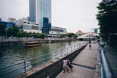 Διάβαση πεζών ποταμών της Σιγκαπούρης στοκ εικόνες