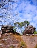 Διάβαση πεζών στον απότομο βράχο στοκ εικόνα με δικαίωμα ελεύθερης χρήσης
