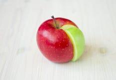 Διάγραμμα πιτών της Apple που γίνεται από τον πράσινο τομέα σε έναν κόκκινο κύκλο Στοκ Εικόνες