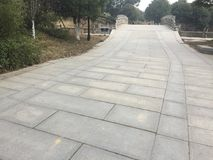 Διάδρομοι και διάδρομοι στο πάρκο στοκ εικόνα