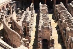 Διάδρομοι του τεχνικού υποβάθρου Colosseum στοκ εικόνες