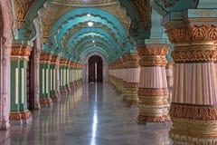 Διάδρομος παλατιών στο Mysore, Ινδία Στοκ Εικόνες