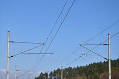 Διάδρομος ραγών ηλεκτροφόρων καλωδίων έλξης δύο Στοκ φωτογραφία με δικαίωμα ελεύθερης χρήσης