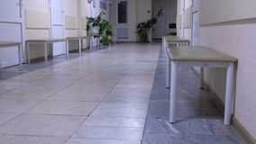Διάδρομος της ρωσικής κλινικής νοσοκομείων προϋπολογισμών Ελεύθερη ιατρική στη Ρωσία απόθεμα βίντεο