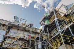 Διάθεση αποβλήτων βιομηχανική και μπλε ουρανός Στοκ φωτογραφία με δικαίωμα ελεύθερης χρήσης