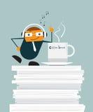 Διάνυσμα απεικόνισης της χαριτωμένης χαλάρωσης επιχειρηματιών κινούμενων σχεδίων σε χαρτί εγγράφων στην αρχή Ελεύθερη απεικόνιση δικαιώματος