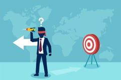 Διάνυσμα ενός ταραγμένου επιχειρηματία blindfold που προσπαθεί να χτυπήσει έναν στόχο με το βέλος διανυσματική απεικόνιση