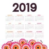 Διάνυσμα ημερολογίου έτους του 2019 του νέου με τα λουλούδια στοκ εικόνες