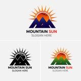 Διάνυσμα λογότυπων βουνών με τα εικονίδια ήλιων Στοκ φωτογραφίες με δικαίωμα ελεύθερης χρήσης