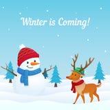 Διάνυσμα χειμερινού ερχόμενο υποβάθρου με το μεγάλο χιονάνθρωπο και χαριτωμένη ντυμένη απεικόνιση ταράνδων στο χιόνι Ευχετήρια κά απεικόνιση αποθεμάτων