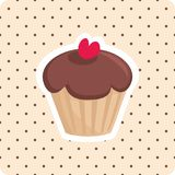 Διάνυσμα cupcake με το κόκκινο υπόβαθρο σημείων κερασιών και Πόλκα Στοκ εικόνα με δικαίωμα ελεύθερης χρήσης