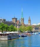 Διάσημα κτήρια της πόλης της Ζυρίχης, Ελβετία Στοκ φωτογραφία με δικαίωμα ελεύθερης χρήσης