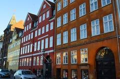 Διάσημα σπίτια κατά μήκος του καναλιού Nyhavn Στοκ εικόνες με δικαίωμα ελεύθερης χρήσης