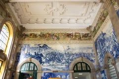 Διάσημη επιτροπή Azulejo στο σιδηροδρομικό σταθμό Bento Σάο στο Πόρτο, Στοκ Εικόνα
