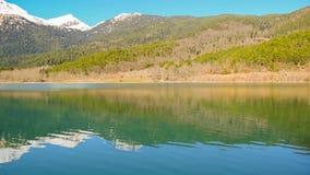 Διάσημη λίμνη Doxa στο τοπίο της Πελοποννήσου Ελλάδα απόθεμα βίντεο