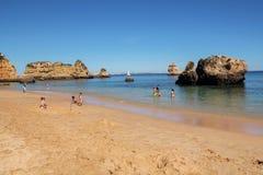Διάσημη παραλία Dona Ana στο Λάγκος, Πορτογαλία Στοκ Εικόνες